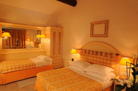 The three-bed-room Marais furnished in Camargue-style