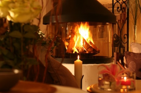 We will ligth up the fireplace every evening during winter season