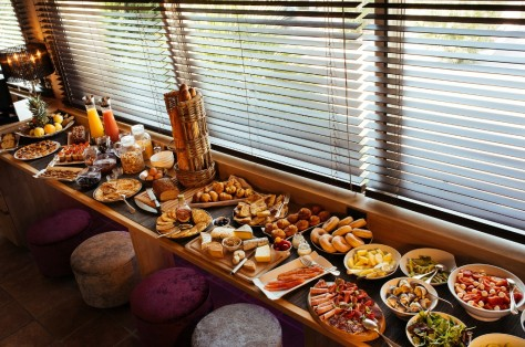 Notre grand buffet de brunch au Sunset